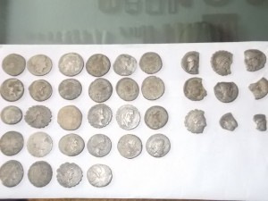 tezaur monetar format din 28 de monezi + 9 fragmentare Bistrita