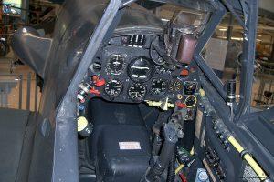 Hannover-Laatzen_Messerschmitt_Bf_109_G-2_WNr_14753_Cockpit_Instrumentenbrett-300x200 Fragment ochelari pilot Luftwaffe si alte  obiecte.