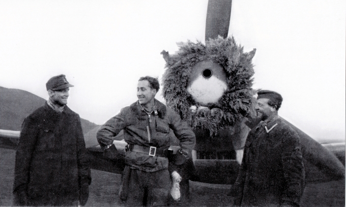 Noi fotografii cu pilotul Otto Fonnekold, mort si inhumat in Budacu de Jos